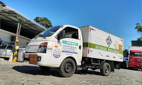 Transporte e coleta de resíduos biológicos