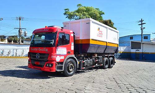 Transporte e coleta de resíduos perigosos